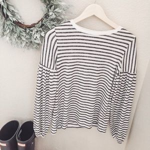 Size XS Gap Balloon Sleeve Striped Sweater